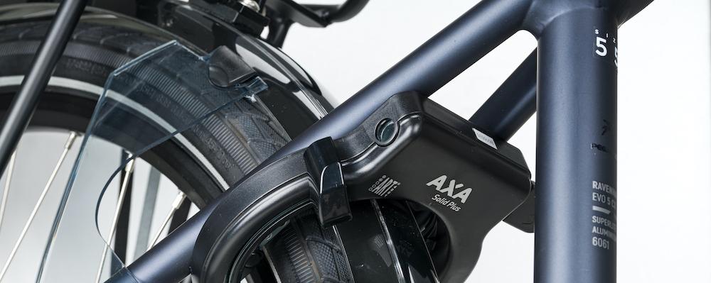 Pegasus Ravenna EVO 5 CX Detail Schloss AXA Solid Plus Model 2020 bas tweewielers zoetermeer