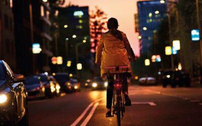Zo vergroot je je zichtbaarheid als je onderweg bent op je fiets